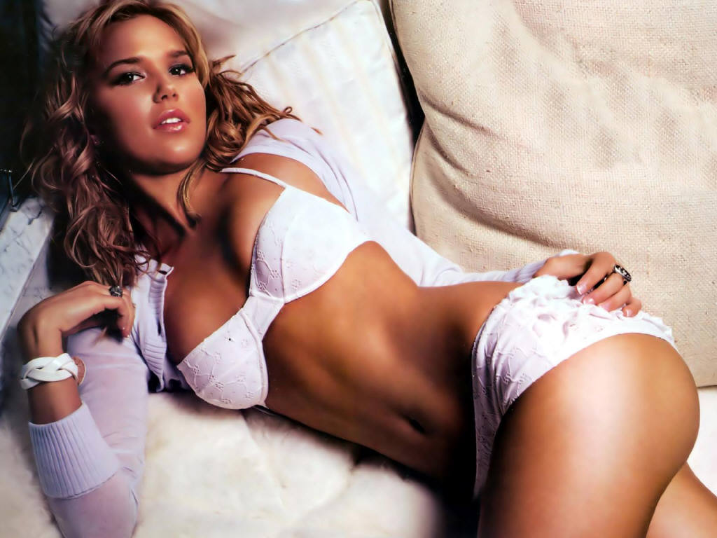 Person Arielle kebbel sexy pic