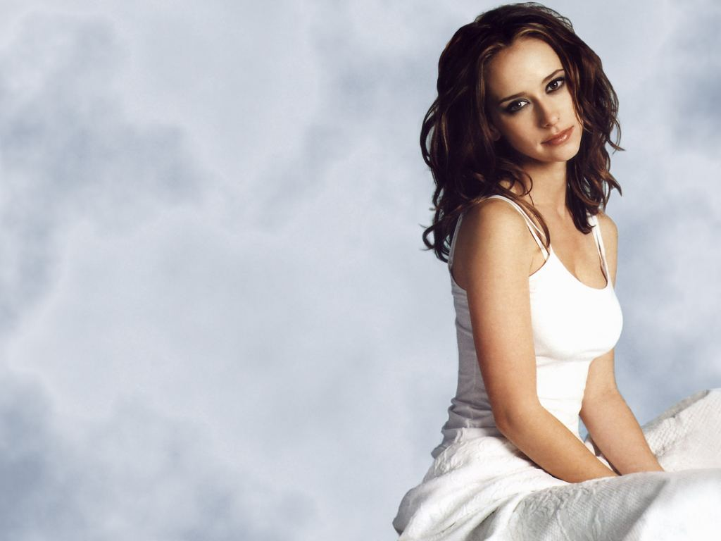 Jennifer Love Hewitt Sexy Wallpaper Images
