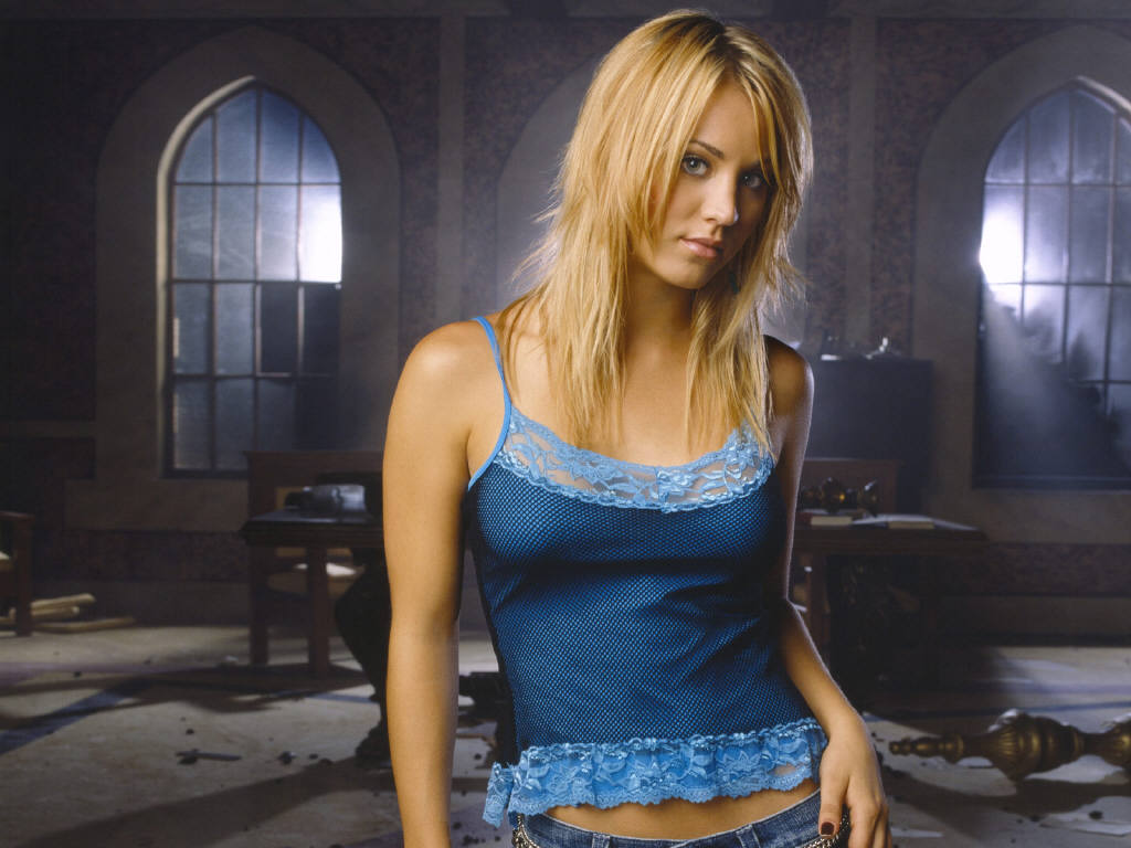 Kaley-Cuoco-1.JPG - Picture of Kaley-Cuoco