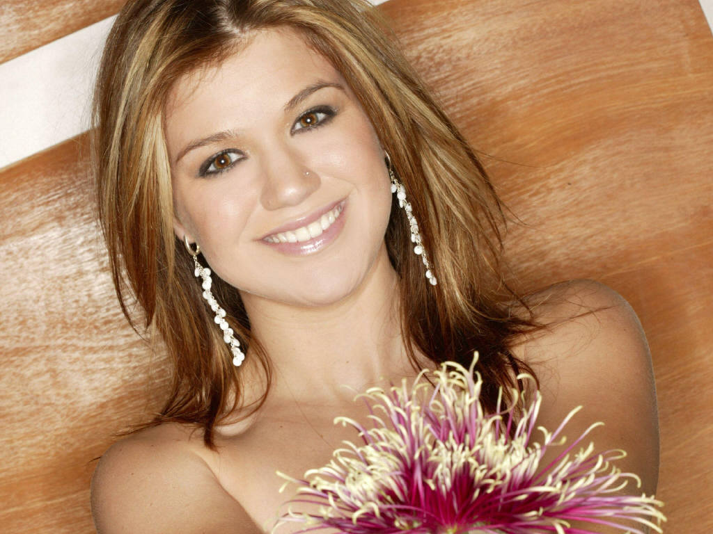 Kelly-Clarkson-11.JPG - Picture of Kelly-Clarkson