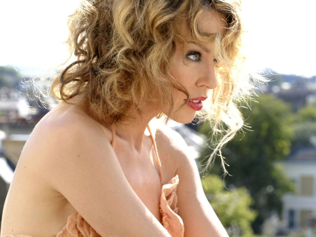 Kylie Minogue Sexy Wallpaper Images