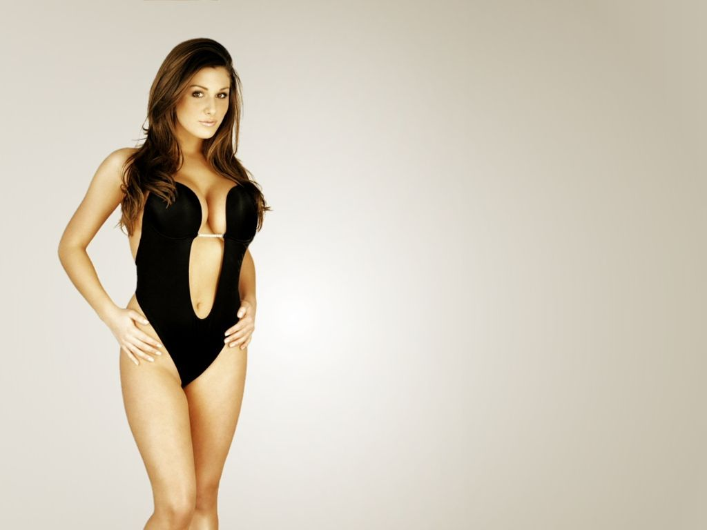 Lucy pinder thumbs