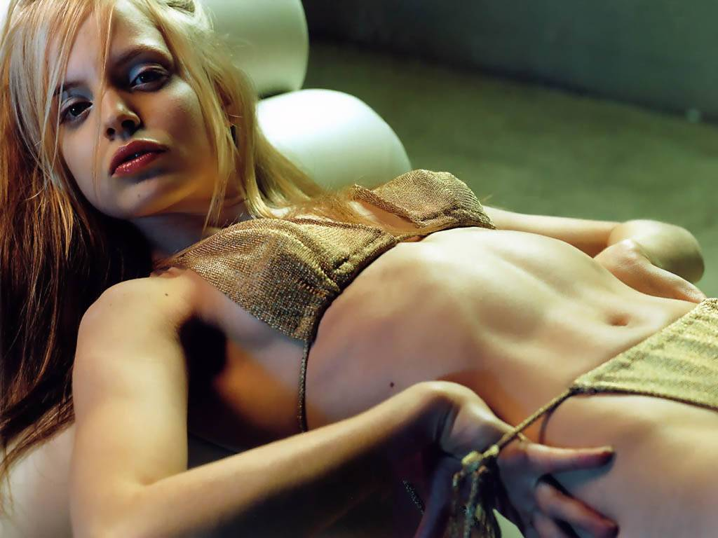 mena suvari hollywood hot - photo #28