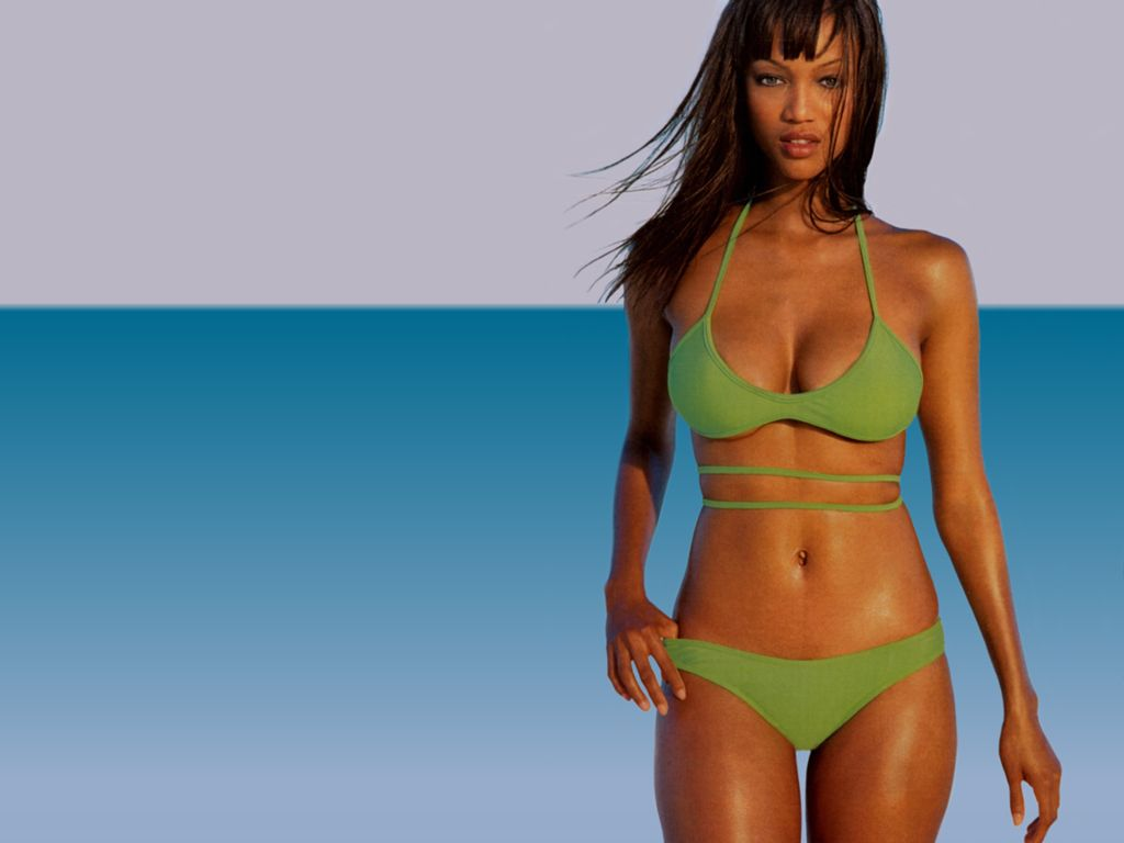 Copyright (C) 2005-2007 kisax.com. All images arecopyright of their ...: www.kisax.com/Tyra-Banks-Wallpapers-page-2